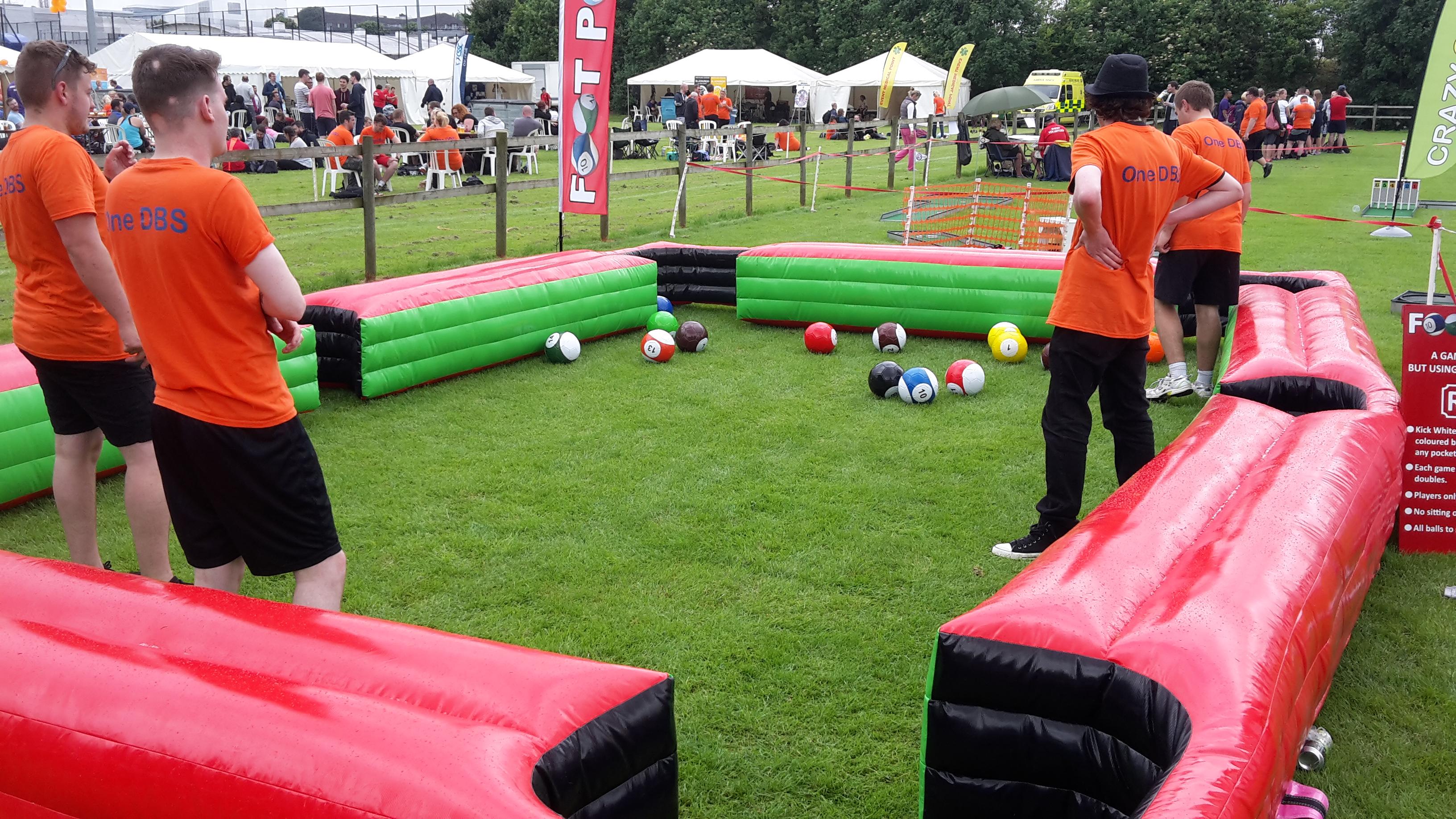 Inflatable Footpool / Snookballokball/